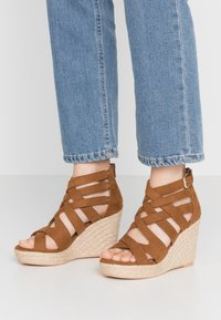 s.Oliver - High heeled sandals - cognac - 0