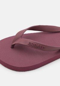Ecoalf - ALGAM KIDS UNISEX - Pool shoes - wine - 5