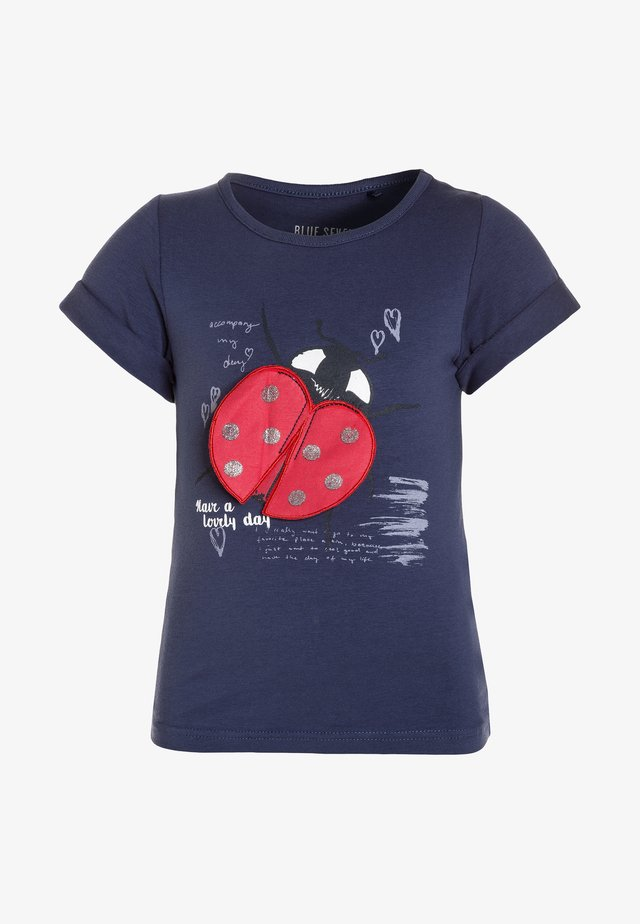 T-shirt con stampa - jeansblau