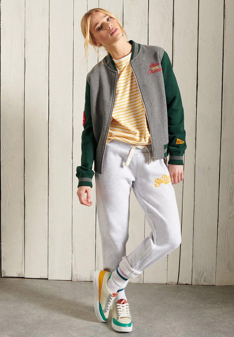 Superdry - Zip-up sweatshirt - enamel green
