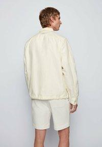 BOSS - LOVEL - Skjorta - light beige - 2