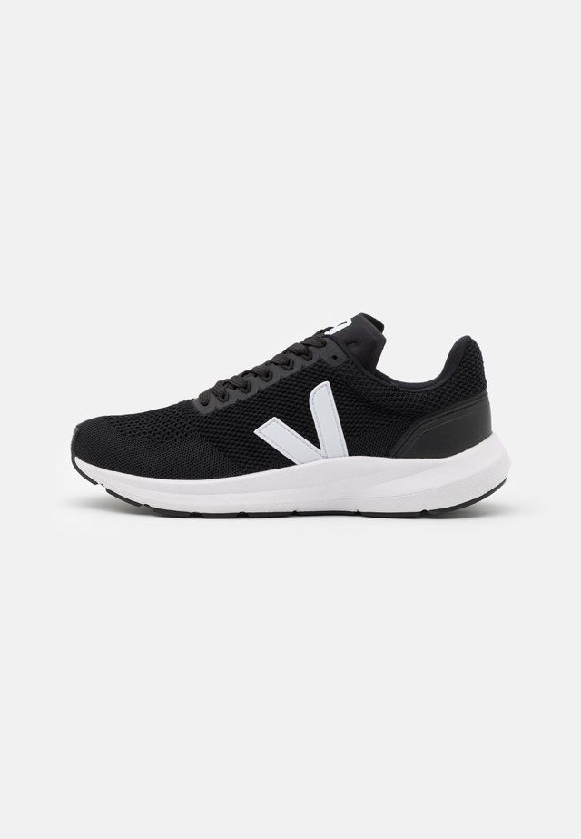 MARLIN - Chaussures de running neutres - black/white