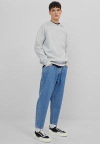 Bershka - Straight leg jeans - dark blue - 1