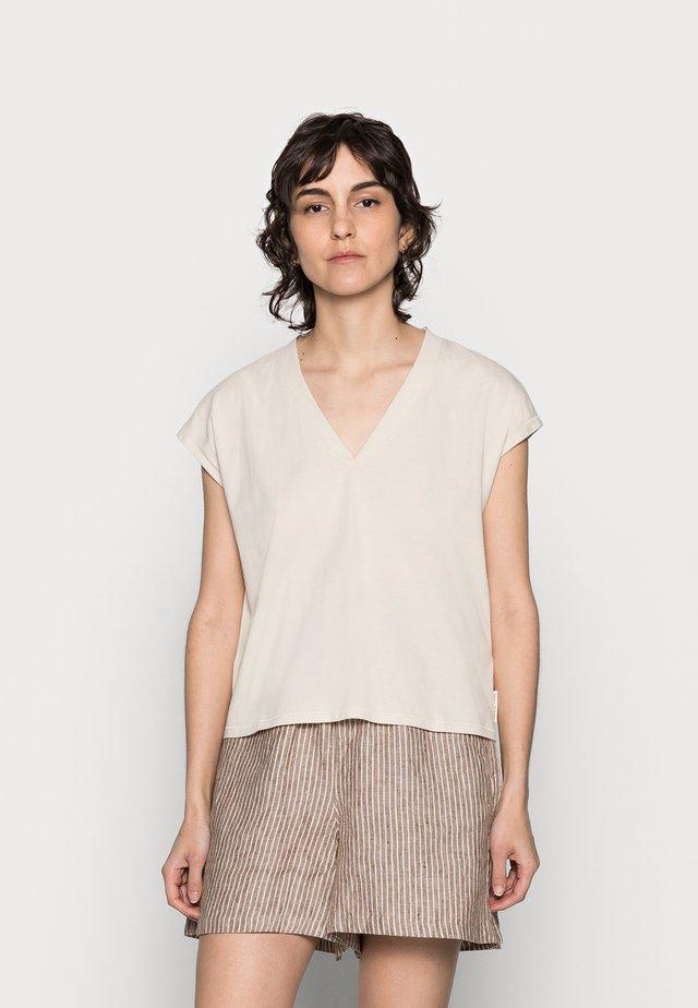 Basic T-shirt - summer taupe