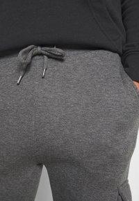 CLOSURE London - TECH UTILITY - Teplákové kalhoty - charcoal - 5