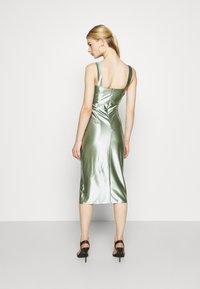 WAL G. - LIBBY V NECK MIDI DRESS - Cocktail dress / Party dress - mint green - 2