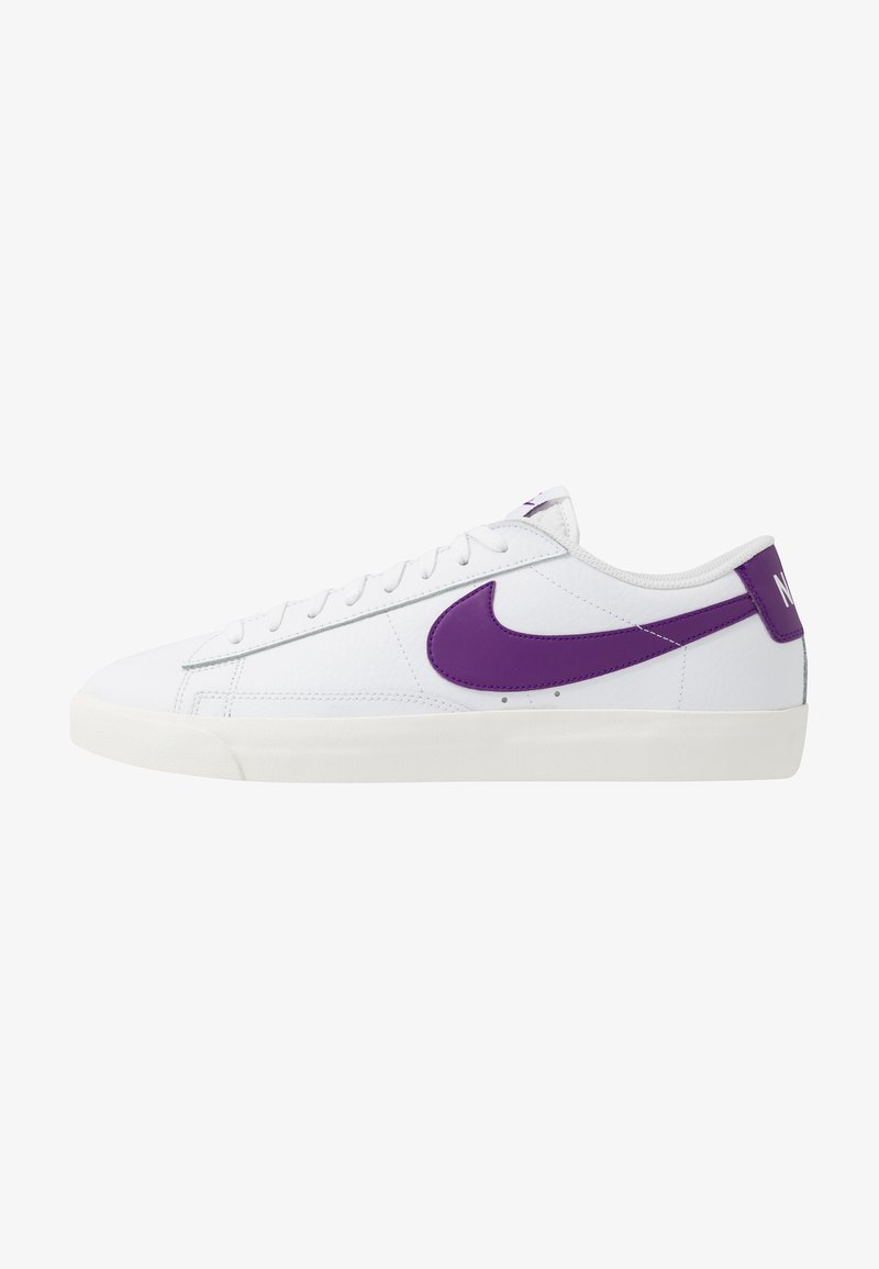 Nike Sportswear - BLAZER - Matalavartiset tennarit - white/voltage purple