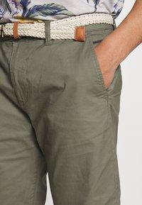 Esprit - Shorts - dusty green - 3