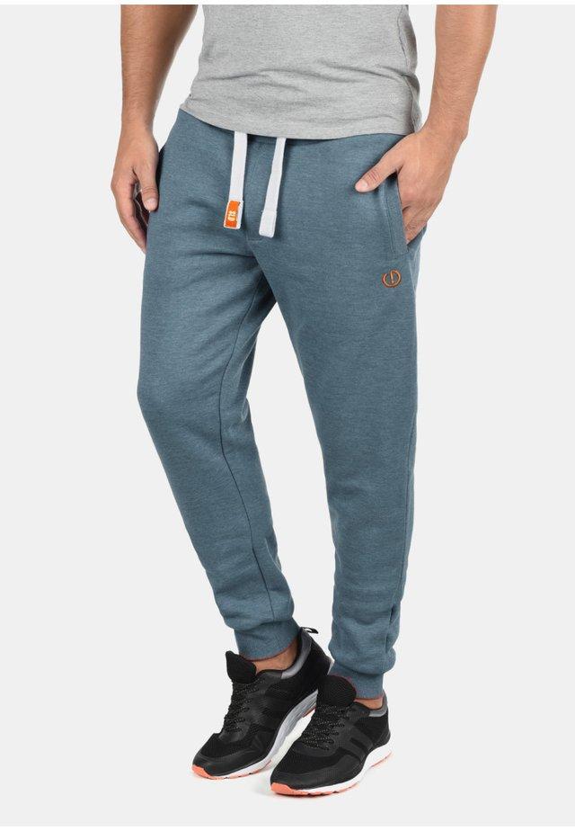JOGGINGHOSE BENN PANT - Trainingsbroek - grey blue
