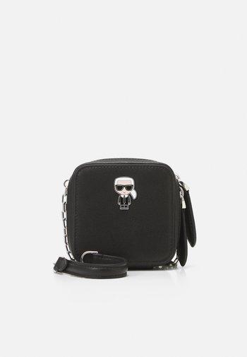 IKONIK NANO BOXY - Across body bag - black