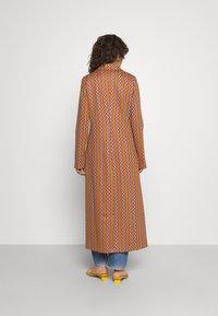 M Missoni - DUST COAT - Classic coat - pumpkin/giallo/blood/candy - 2