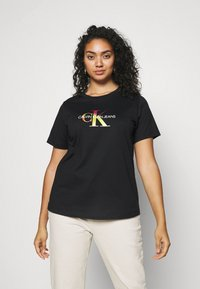 Calvin Klein Jeans Plus - PLUS SATIN BONDED MONOGRAM TEE - Print T-shirt - gradient black - 0