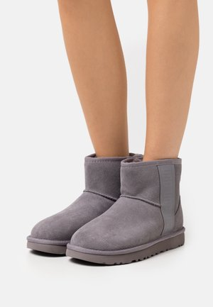 CLASSIC MINI SIDE LOGO - Classic ankle boots - shade