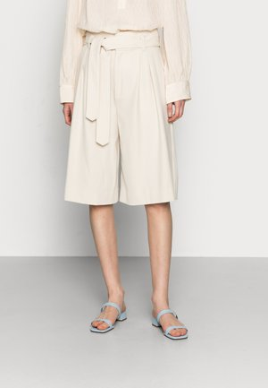 KLARAGZ - Shorts - moonbeam
