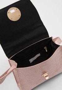 Pieces - PCMULAN CROSS BODY - Handbag - misty rose - 2