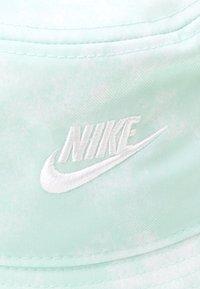 Nike Sportswear - BUCKET FUTURA TIE DYE UNISEX  - Hoed - light dew/white - 3