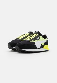 Puma - FUTURE RIDER NEON PLAY UNISEX - Trainers - black/fizzy yellow - 1
