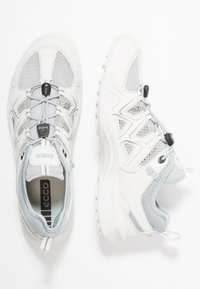 ECCO - TERRACRUISE - Hiking shoes - shadow white/concrete - 1