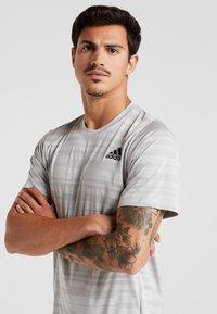adidas Performance - T-Shirt print - medium grey - 3