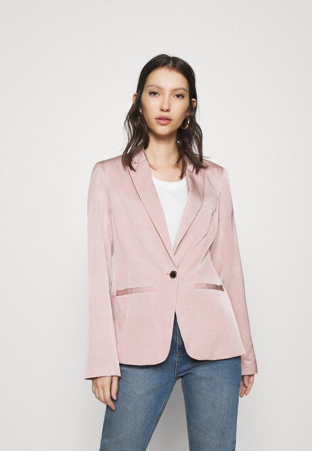 Krátký kabát - vieux rose