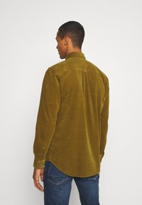 Minimum - ZACH - Vapaa-ajan kauluspaita - fir green - 2