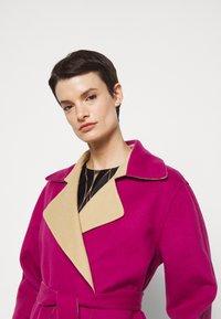 Alberta Ferretti - Klasický kabát - pink/beige - 3