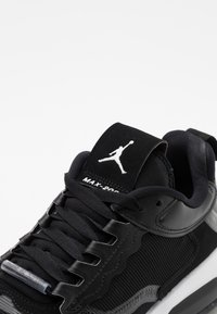 Jordan - MAX 200 - Zapatillas - black/white - 3