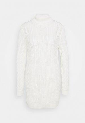 OBJAVA ROLLNECK DRESS - Gebreide jurk - gardenia
