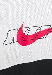 Nike Performance - Långärmad tröja - black/white/light fusion red - 2
