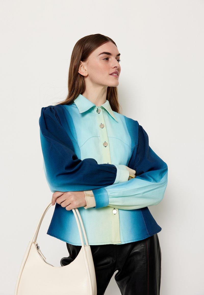 HOSBJERG - ALEXA  - Džínová bunda - blue fade