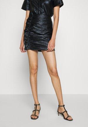 DRIFTER MINI SKIRT - Minisukně - black gloss
