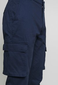 Only & Sons - ONSCAM STAGE CUFF - Pantalon cargo - dark blue - 4