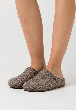 CILLA LEOPARD - Slippers - brown