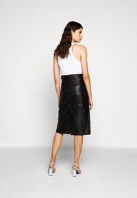 Proenza Schouler White Label - LIGHTWEIGHT PENCIL SKIRT - Pouzdrová sukně - black - 2