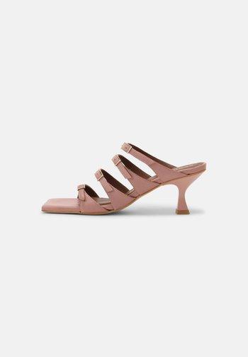 PRICKLY - Heeled mules - pale pink