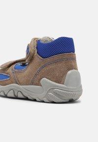 Superfit - Sandals - beige/blau - 4