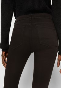 DL1961 - FLORENCE : MID RISE INSTASCULPT CROP - Jeans Skinny Fit - hail (ultimate) - 4