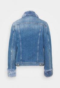 7 for all mankind - MODERN TRUCKER ON POINT - Denim jacket - light blue - 1