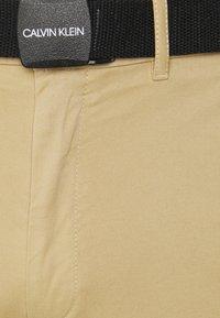 Calvin Klein - GARMENT - Shorts - travertine - 2