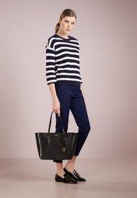 Lauren Ralph Lauren - TOTE - Handbag - black - 1