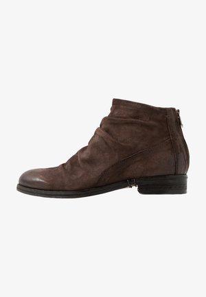 VADER - Kotníkové boty - fondente