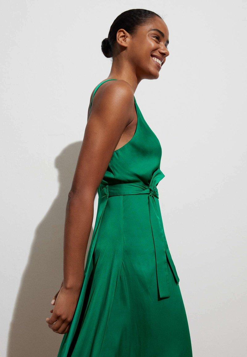 OYSHO - Denní šaty - evergreen