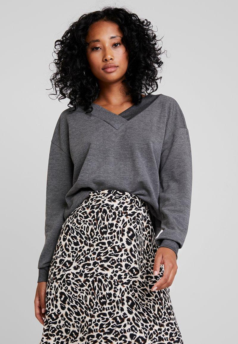 Vero Moda - VMCESINA V NECK  - Sweatshirt - dark grey