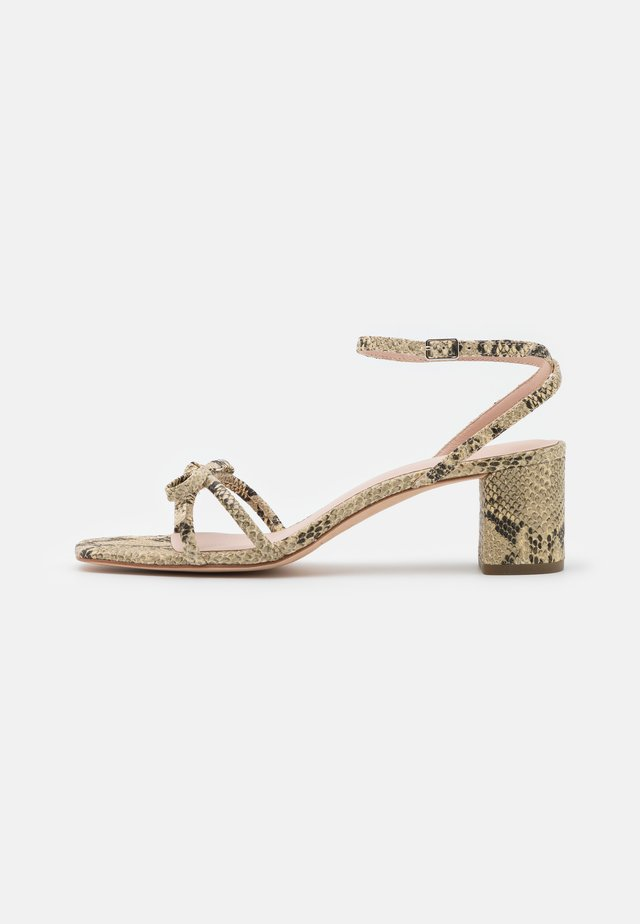 GRACIE - Sandalen - natural