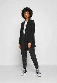 Vero Moda - VMDAFNELISA JACKET - Short coat - black - 1