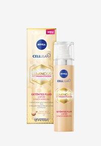 Nivea - CELLULAR LUMINOUS TINTED DAY CARE - Face cream - - - 0