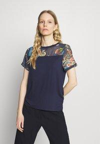 Desigual - VIENA - T-shirts med print - blue - 0