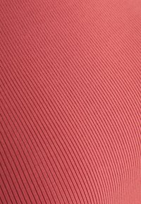 Casall - BOLD CROP TANK - Top - comfort pink - 2