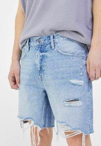 Bershka - Shorts di jeans - light blue - 3