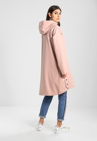 Ilse Jacobsen - TRUE RAINCOAT - Parka - adobe rose - 2